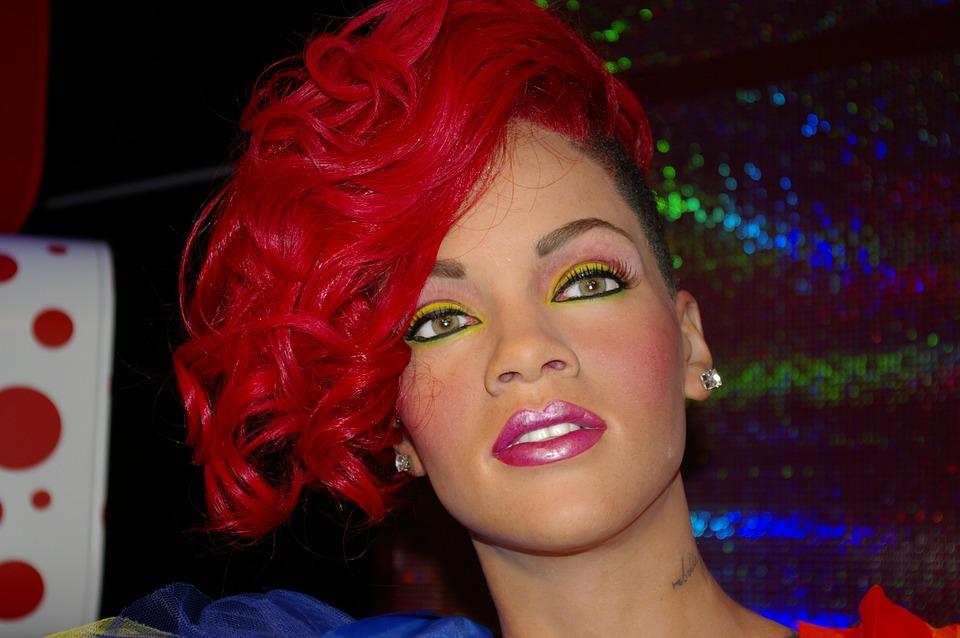 Rihanna é nova executiva do maior grupo de luxo do mundo